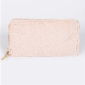 Accessories - 🌸Baby Pink Faux Fur Wallet🌸